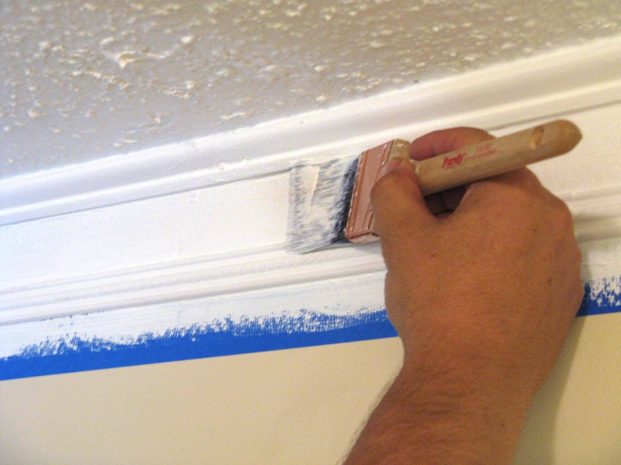 apply colors to crown molding